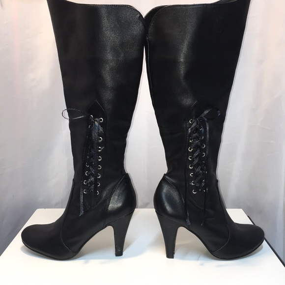 Sexy black boot